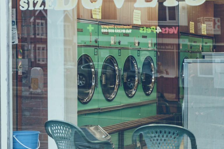 Macchine per lavanderia: vantaggi e svantaggi.