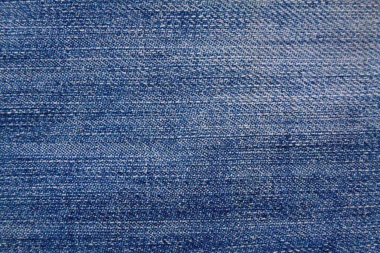 Lavorazione tessuti conto terzi: lavorazione materie prime e filati